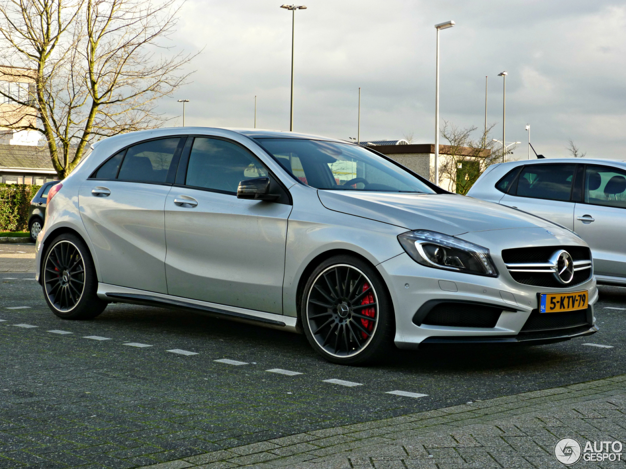mercedes benz a 45 amg 1 juillet 2016 autogespot. Black Bedroom Furniture Sets. Home Design Ideas