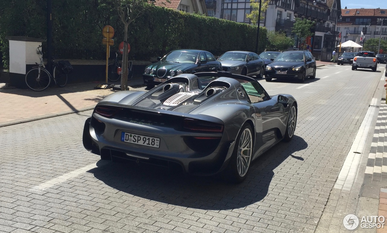 porsche 918 spyder weissach package 3 july 2016 autogespot. Black Bedroom Furniture Sets. Home Design Ideas