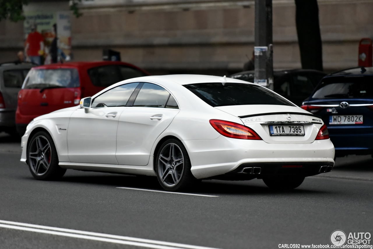 mercedes benz cls 63 amg c218 4 lipiec 2016 autogespot. Black Bedroom Furniture Sets. Home Design Ideas