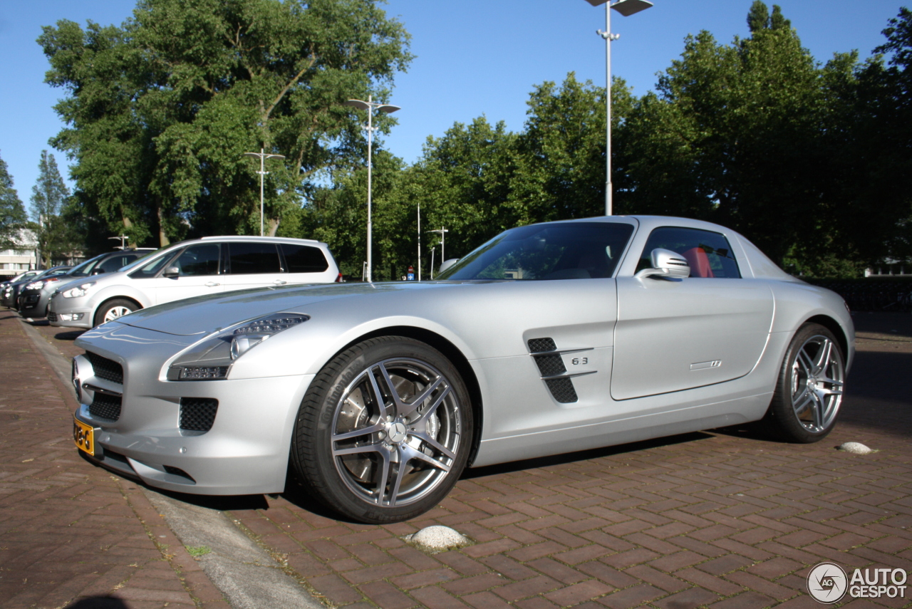 mercedes benz sls amg 5 juillet 2016 autogespot. Black Bedroom Furniture Sets. Home Design Ideas