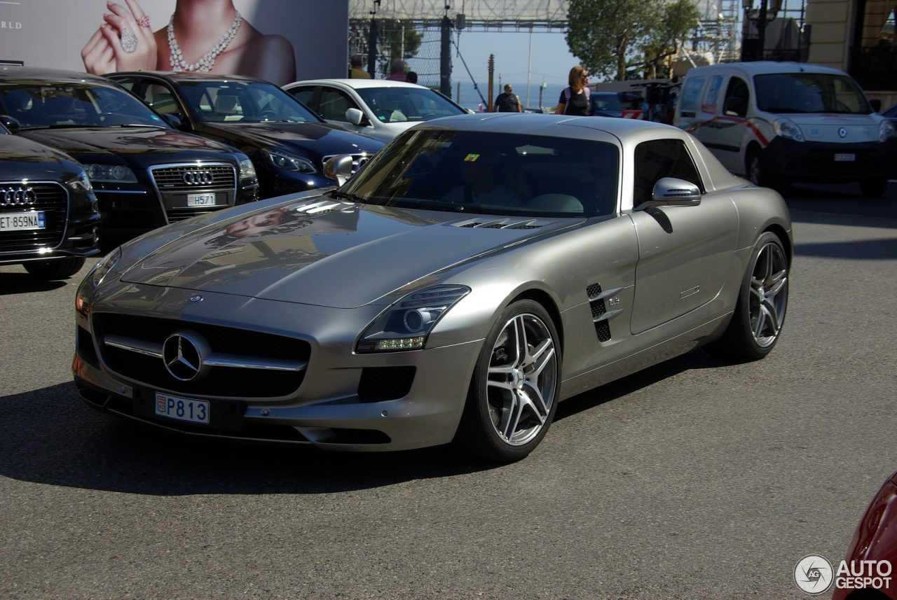 Mercedes benz sls amg 5 july 2016 autogespot for Mercedes benz 07