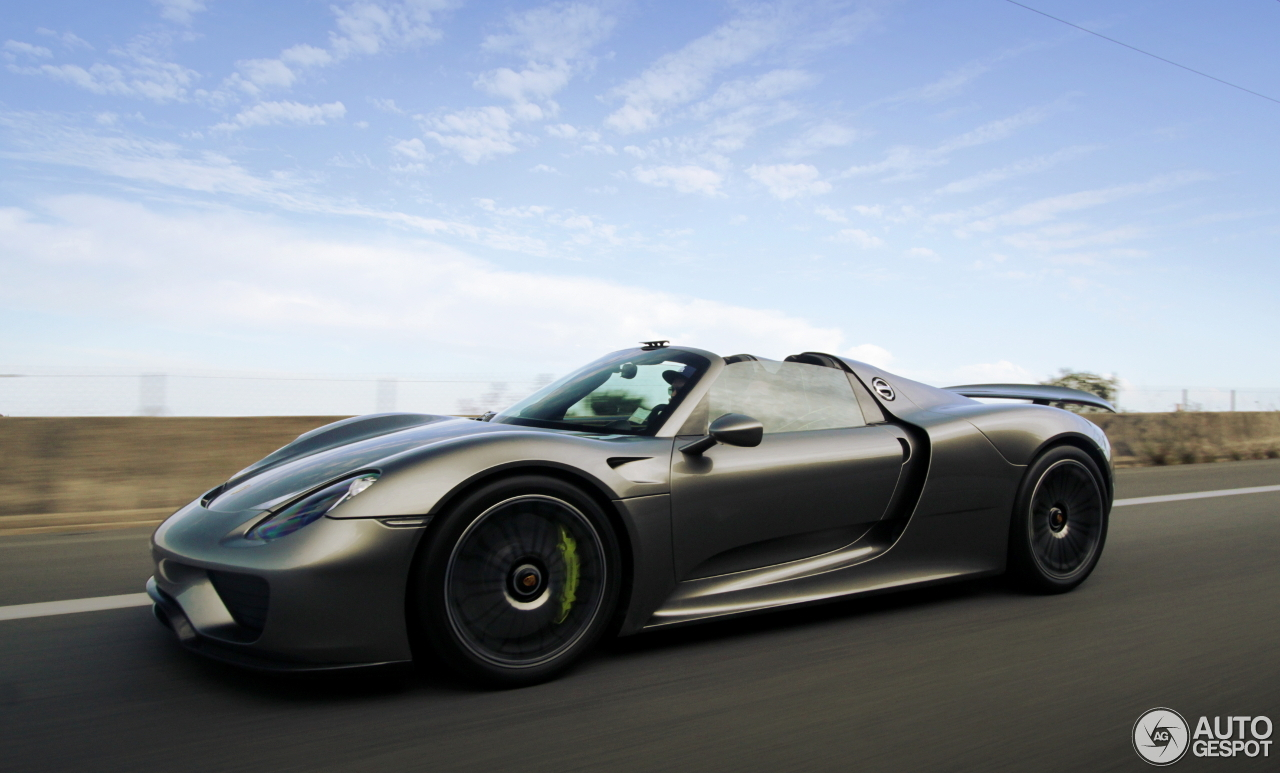 porsche 918 spyder 5 july 2016 autogespot. Black Bedroom Furniture Sets. Home Design Ideas