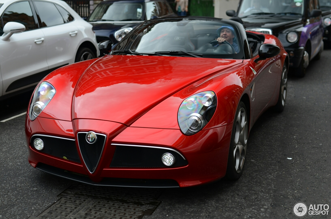 alfa romeo 8c spider 9 july 2016 autogespot. Black Bedroom Furniture Sets. Home Design Ideas