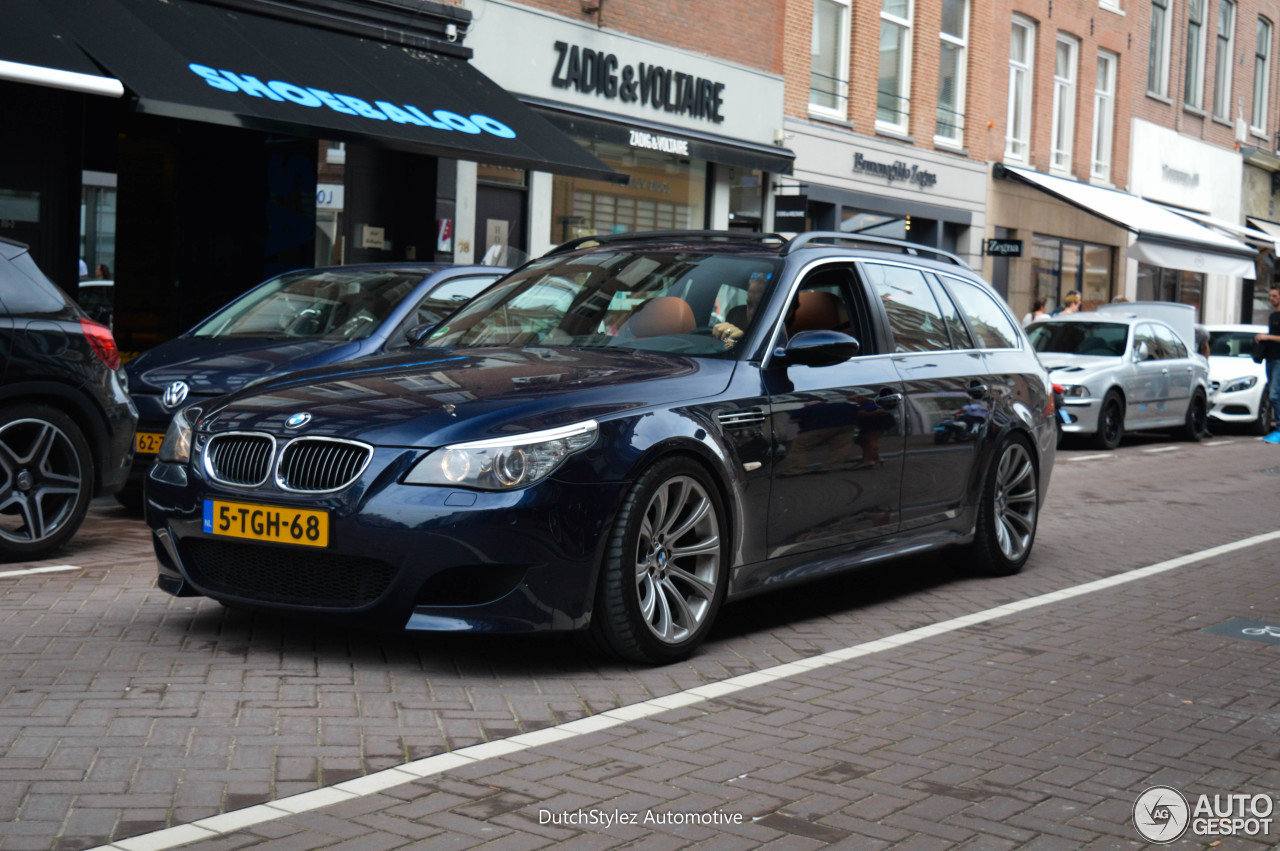 bmw m5 e61 touring 9 july 2016 autogespot. Black Bedroom Furniture Sets. Home Design Ideas