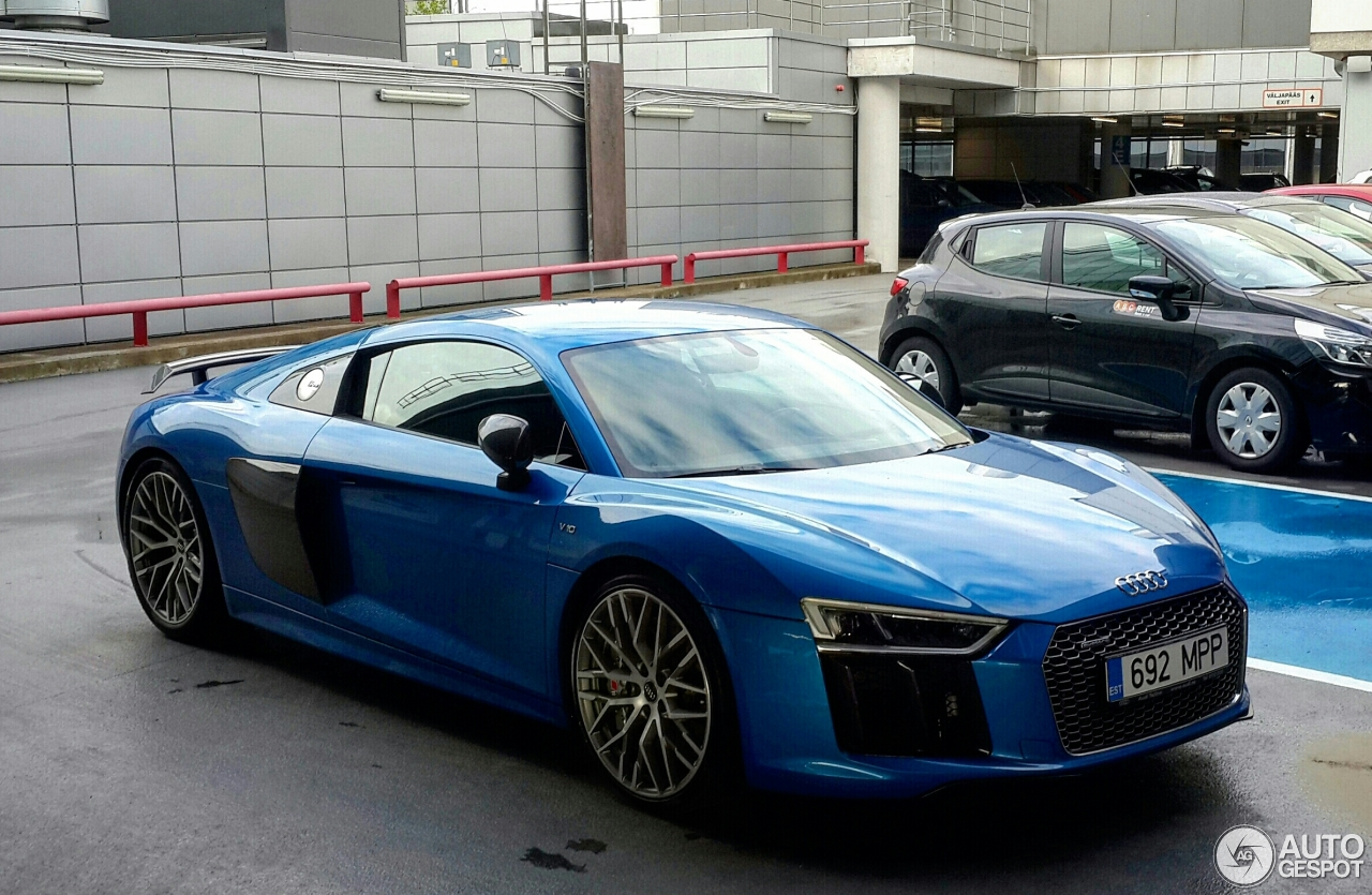 audi r8 v10 plus 2015 12 juillet 2016 autogespot. Black Bedroom Furniture Sets. Home Design Ideas
