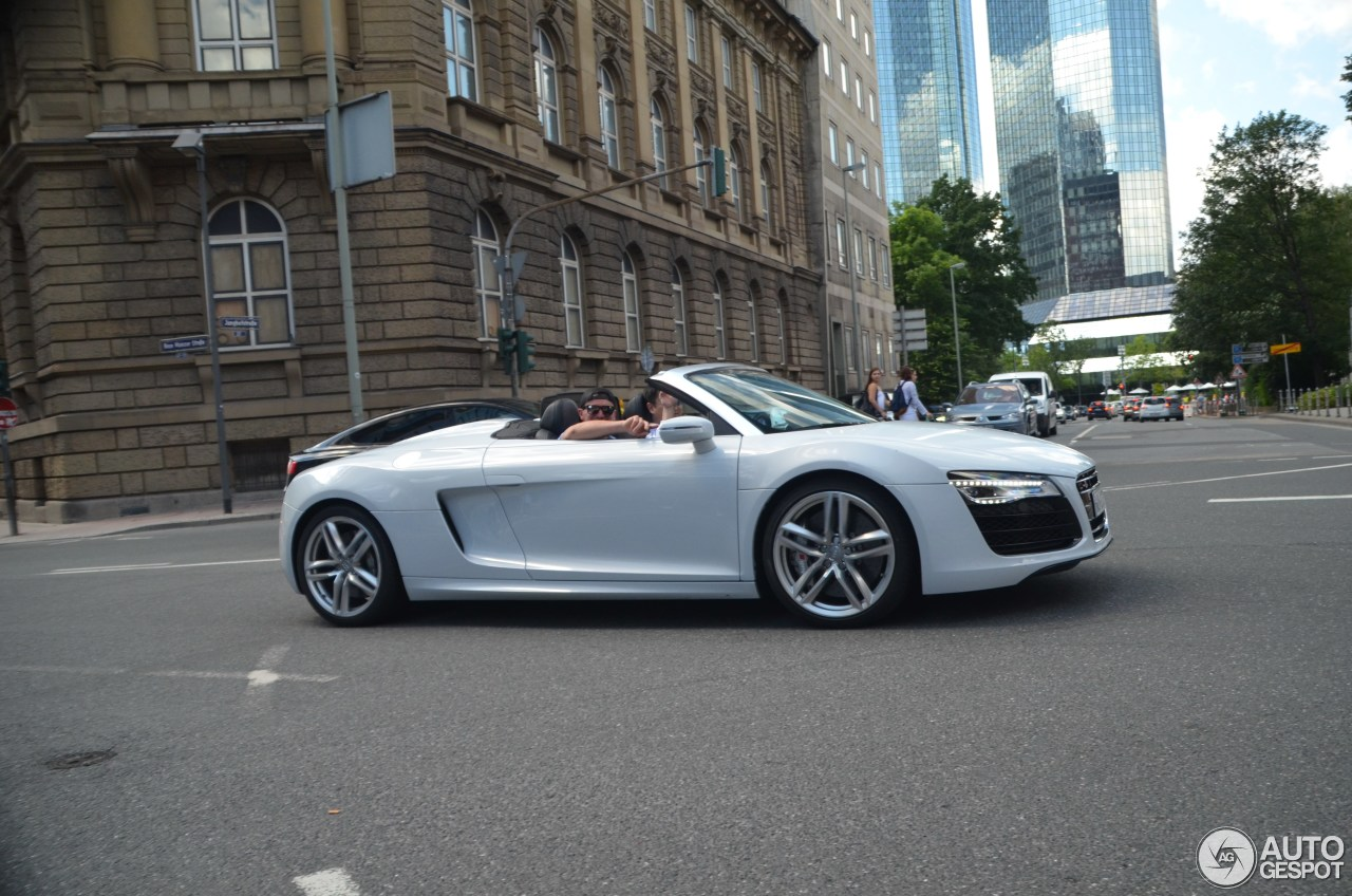 audi r8 v10 spyder 2013 15 july 2016 autogespot. Black Bedroom Furniture Sets. Home Design Ideas