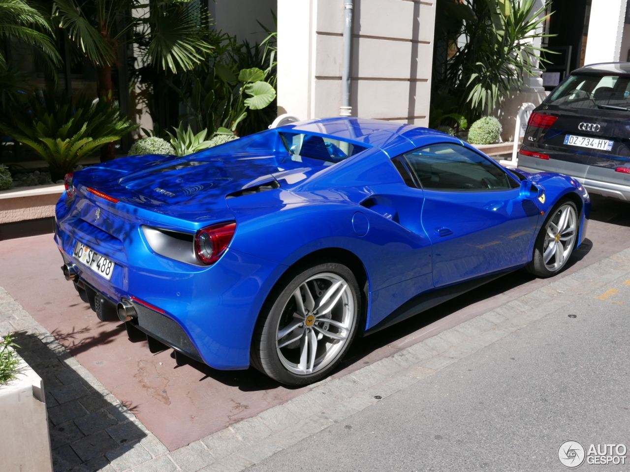 ferrari 488 spider 15 juillet 2016 autogespot. Black Bedroom Furniture Sets. Home Design Ideas