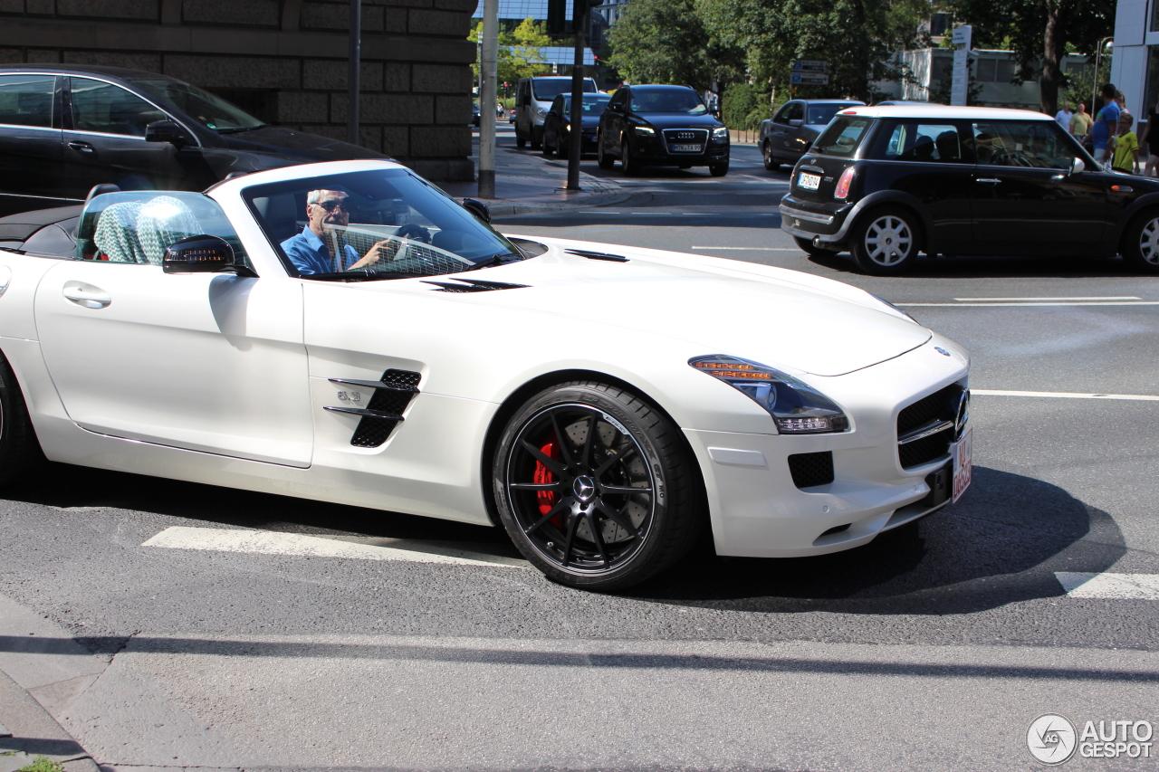 Mercedes benz sls amg gt roadster wallpaper for Mercedes benz amg gt roadster