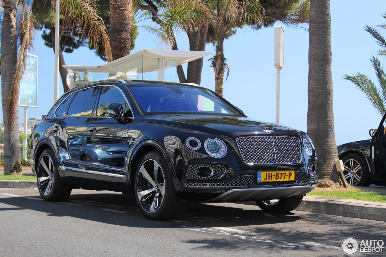 bentley bentayga 20 july 2016 autogespot. Black Bedroom Furniture Sets. Home Design Ideas