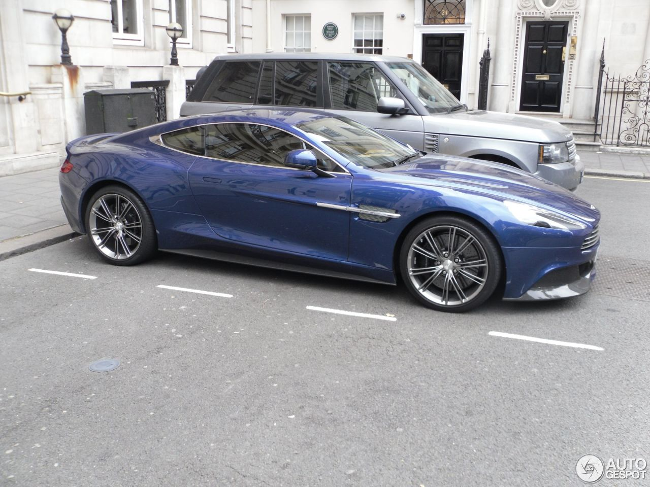 aston martin vanquish 2013 26 july 2016 autogespot. Cars Review. Best American Auto & Cars Review