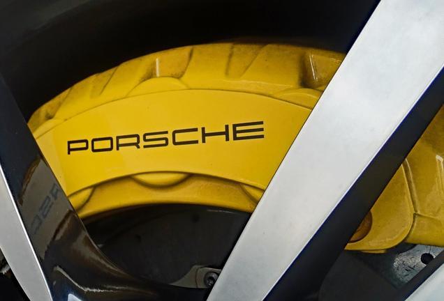 Porsche 958 Cayenne Turbo S