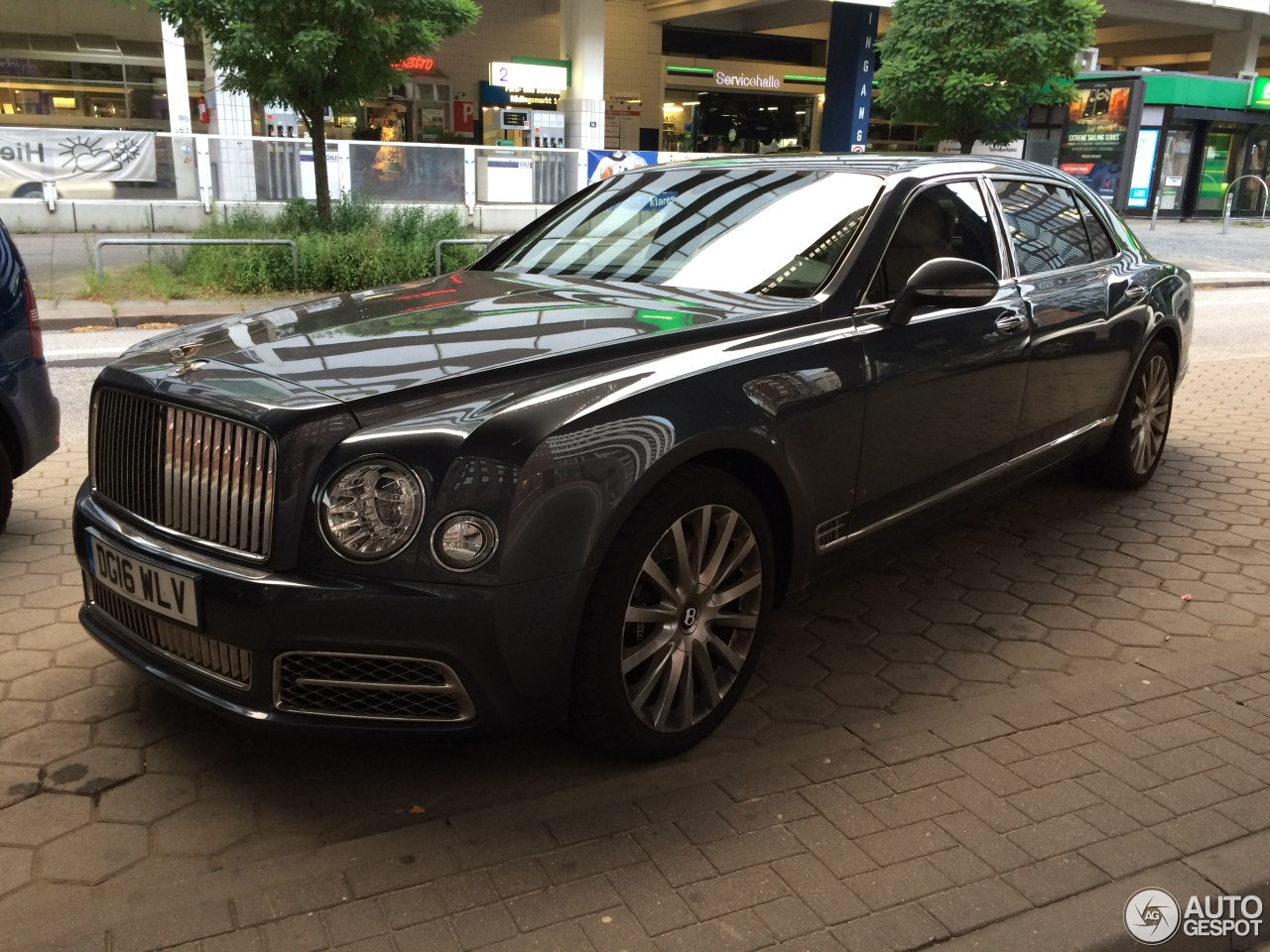 bentley mulsanne ewb 2016 27 july 2016 autogespot. Black Bedroom Furniture Sets. Home Design Ideas