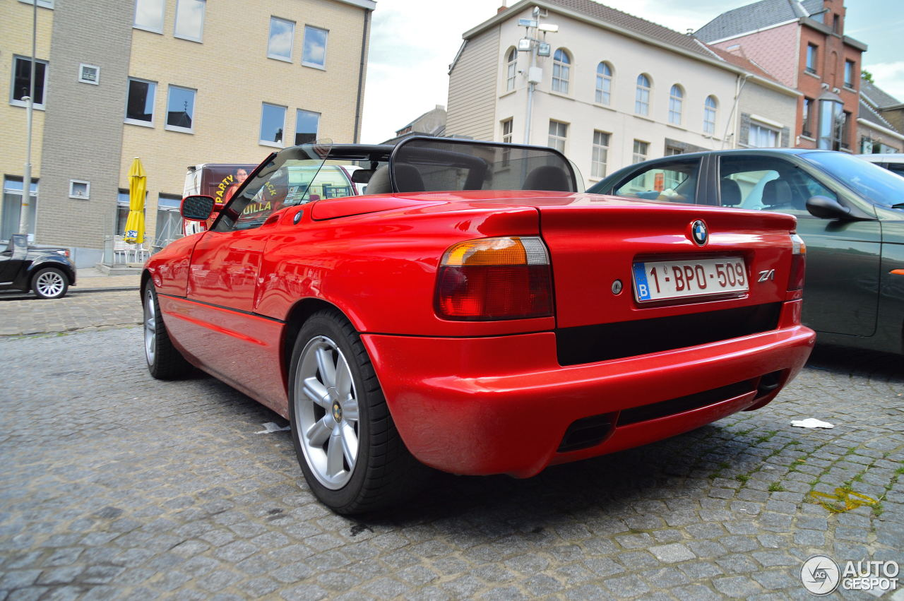 bmw z1 28 july 2016 autogespot. Black Bedroom Furniture Sets. Home Design Ideas