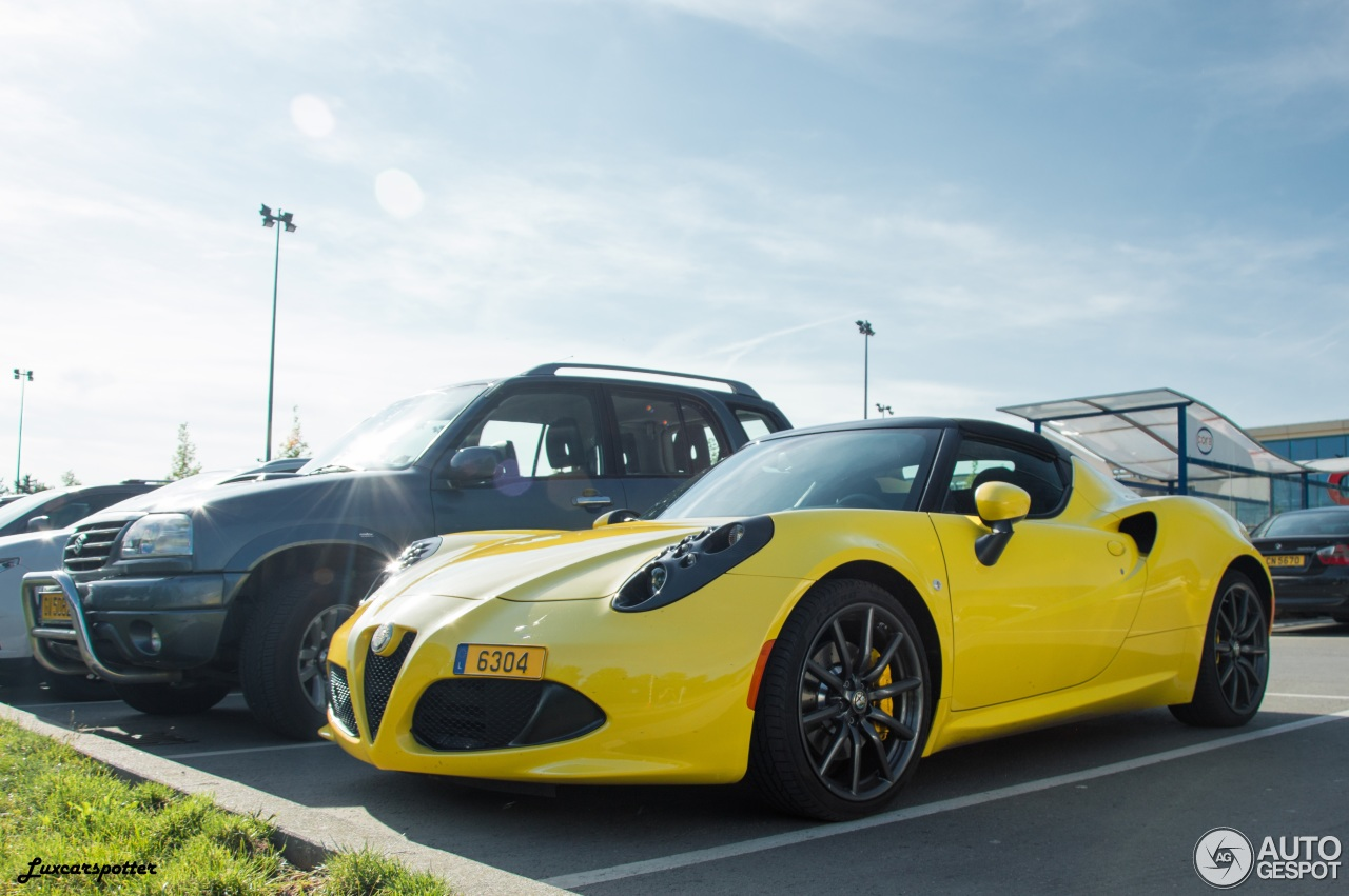 alfa romeo 4c spider 29 july 2016 autogespot. Black Bedroom Furniture Sets. Home Design Ideas