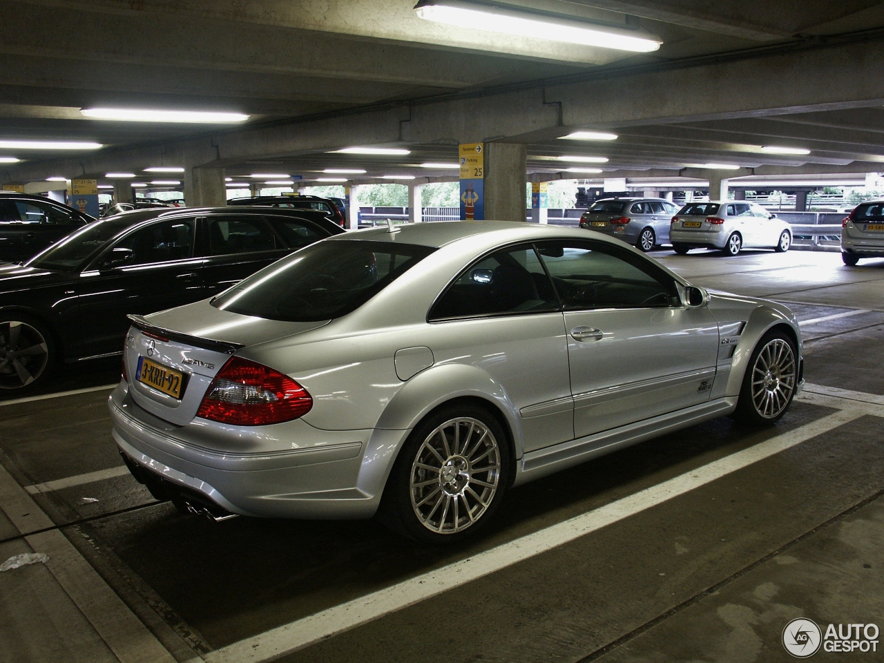 Mercedes benz clk 63 amg black series 29 juli 2016 for Mercedes benz clk63 amg black series