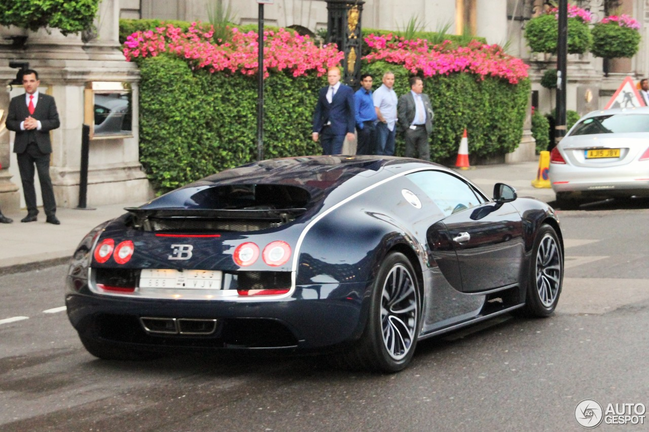 bugatti veyron 16 4 super sport 2 august 2016 autogespot. Black Bedroom Furniture Sets. Home Design Ideas