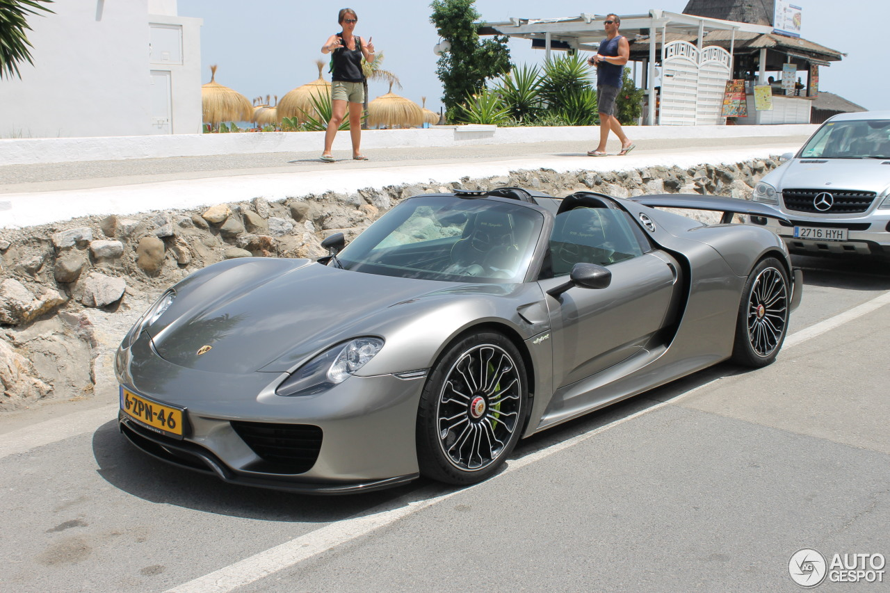 porsche 918 spyder weissach package 2 august 2016 autogespot. Black Bedroom Furniture Sets. Home Design Ideas