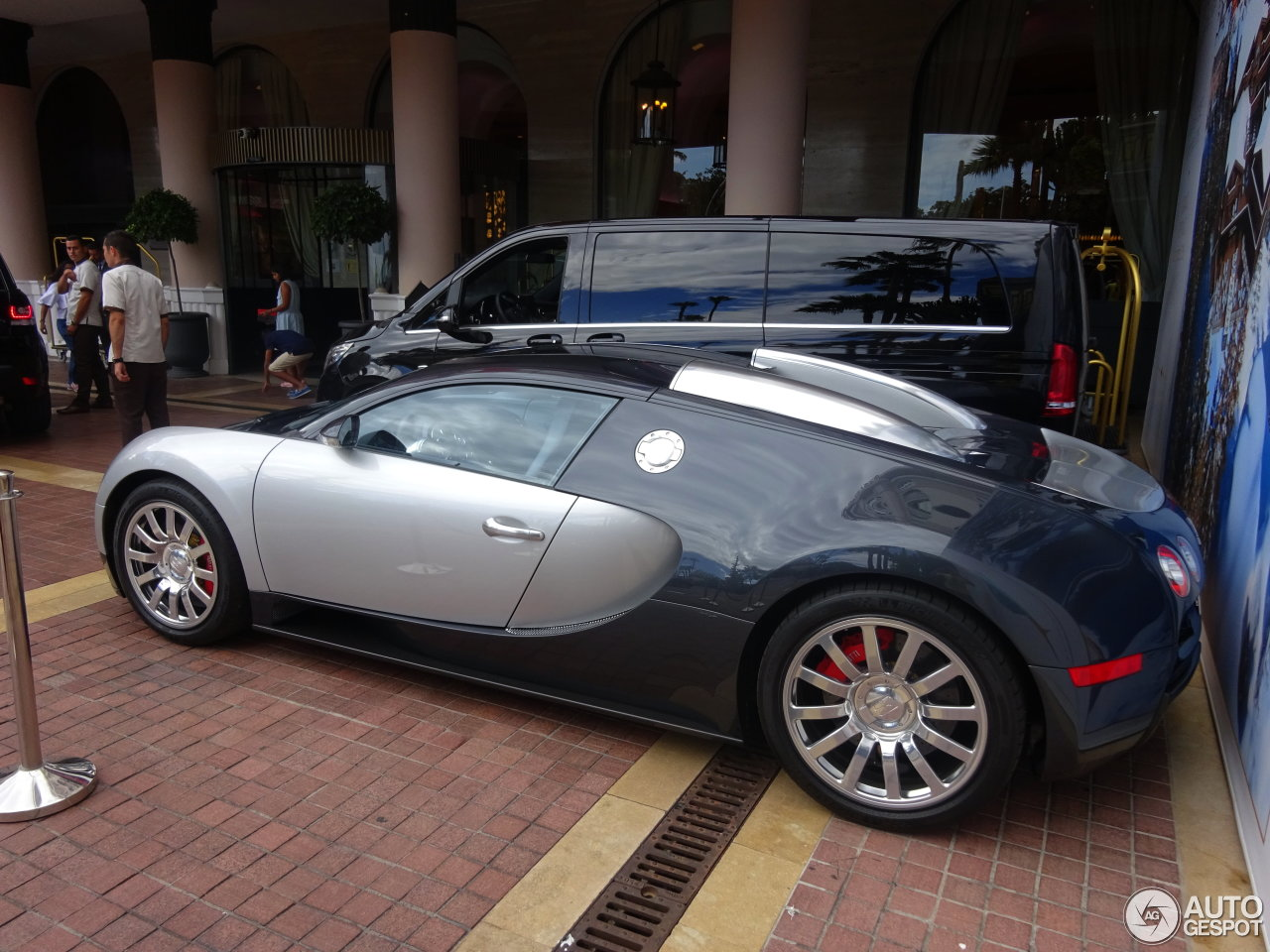 bugatti veyron 16 4 3 ao t 2016 autogespot. Black Bedroom Furniture Sets. Home Design Ideas