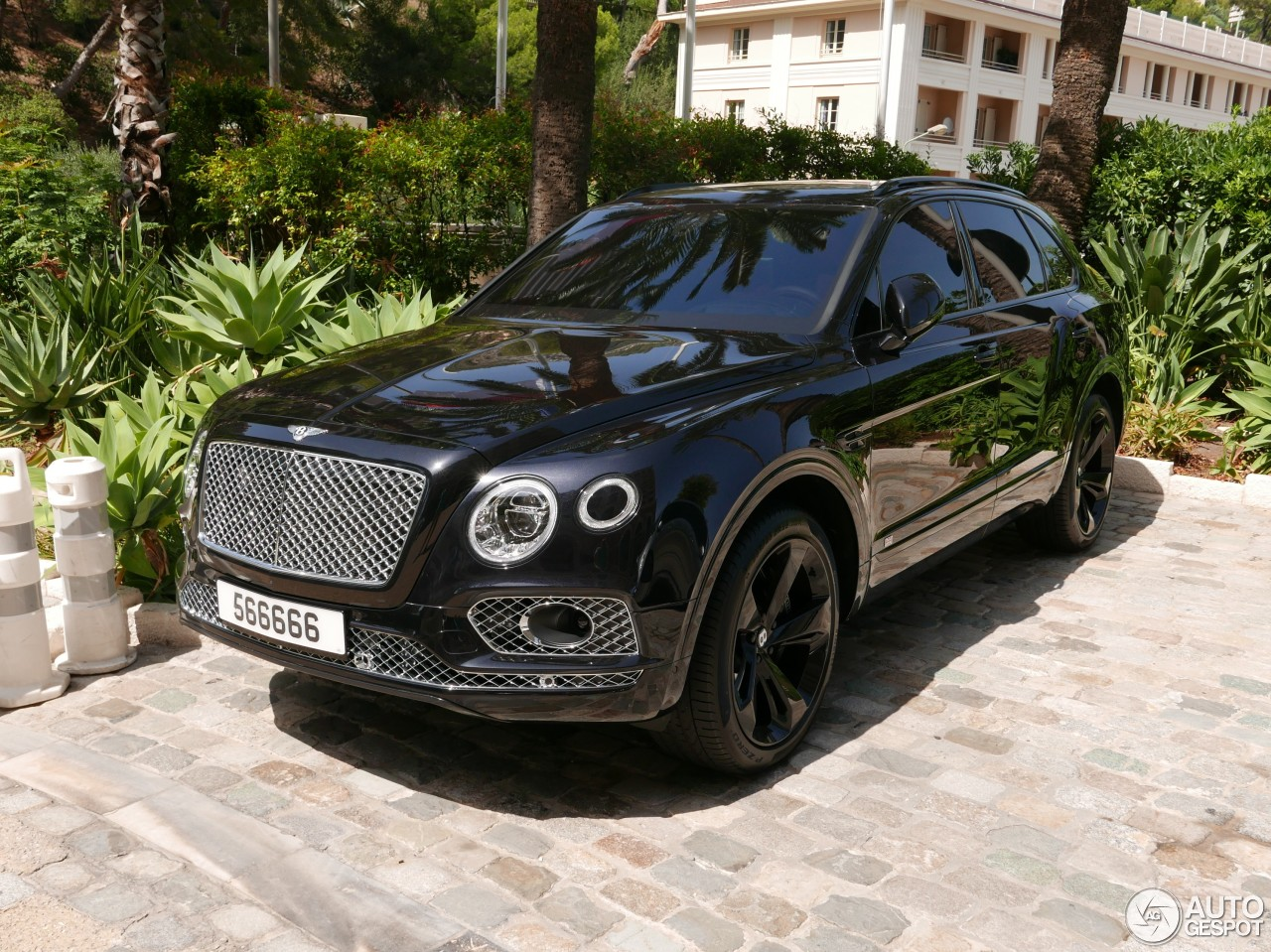 bentley bentayga 4 august 2016 autogespot. Black Bedroom Furniture Sets. Home Design Ideas