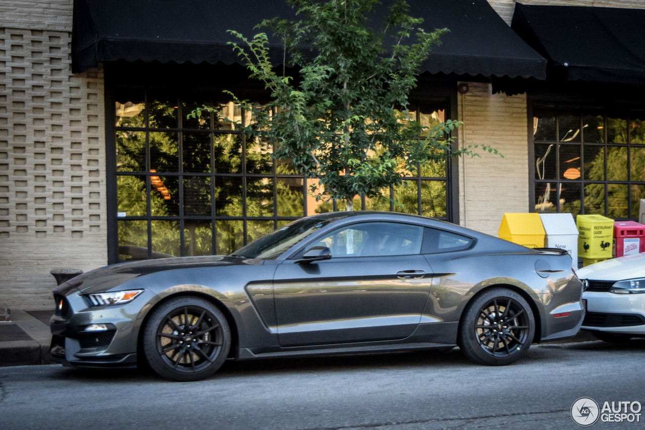 Model Ford Mustang Shelby GT 350 2015  4 August 2016  Autogespot
