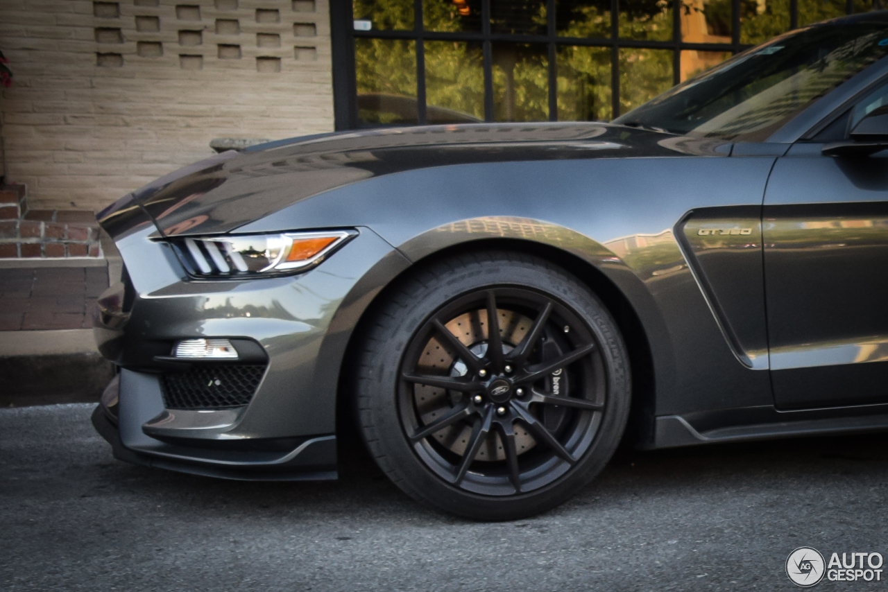 Cool Ford Mustang Shelby GT 350 2015  4 August 2016  Autogespot