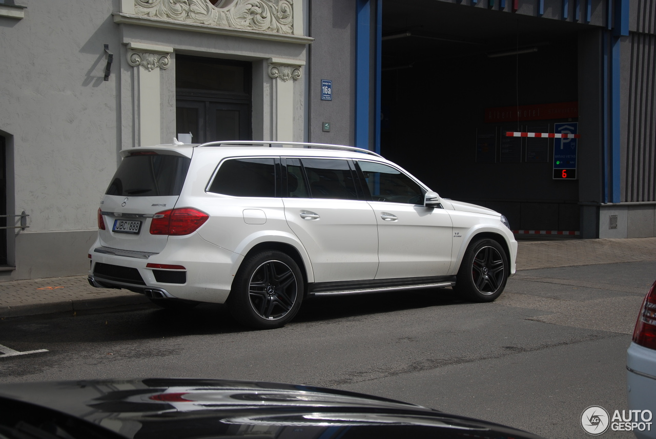 mercedes benz gl 63 amg x166 5 august 2016 autogespot. Black Bedroom Furniture Sets. Home Design Ideas