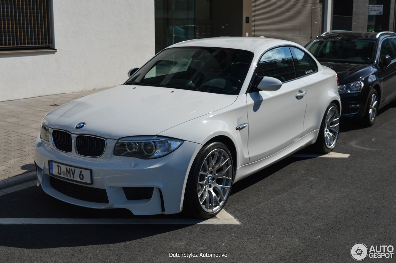 bmw 1 series m coup 8 august 2016 autogespot. Black Bedroom Furniture Sets. Home Design Ideas
