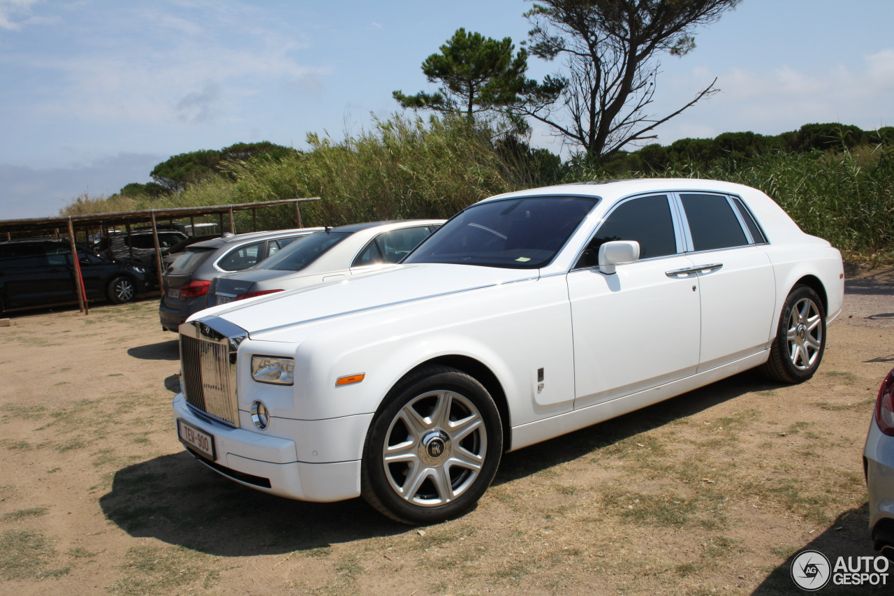 rolls royce phantom 8 ao t 2016 autogespot. Black Bedroom Furniture Sets. Home Design Ideas