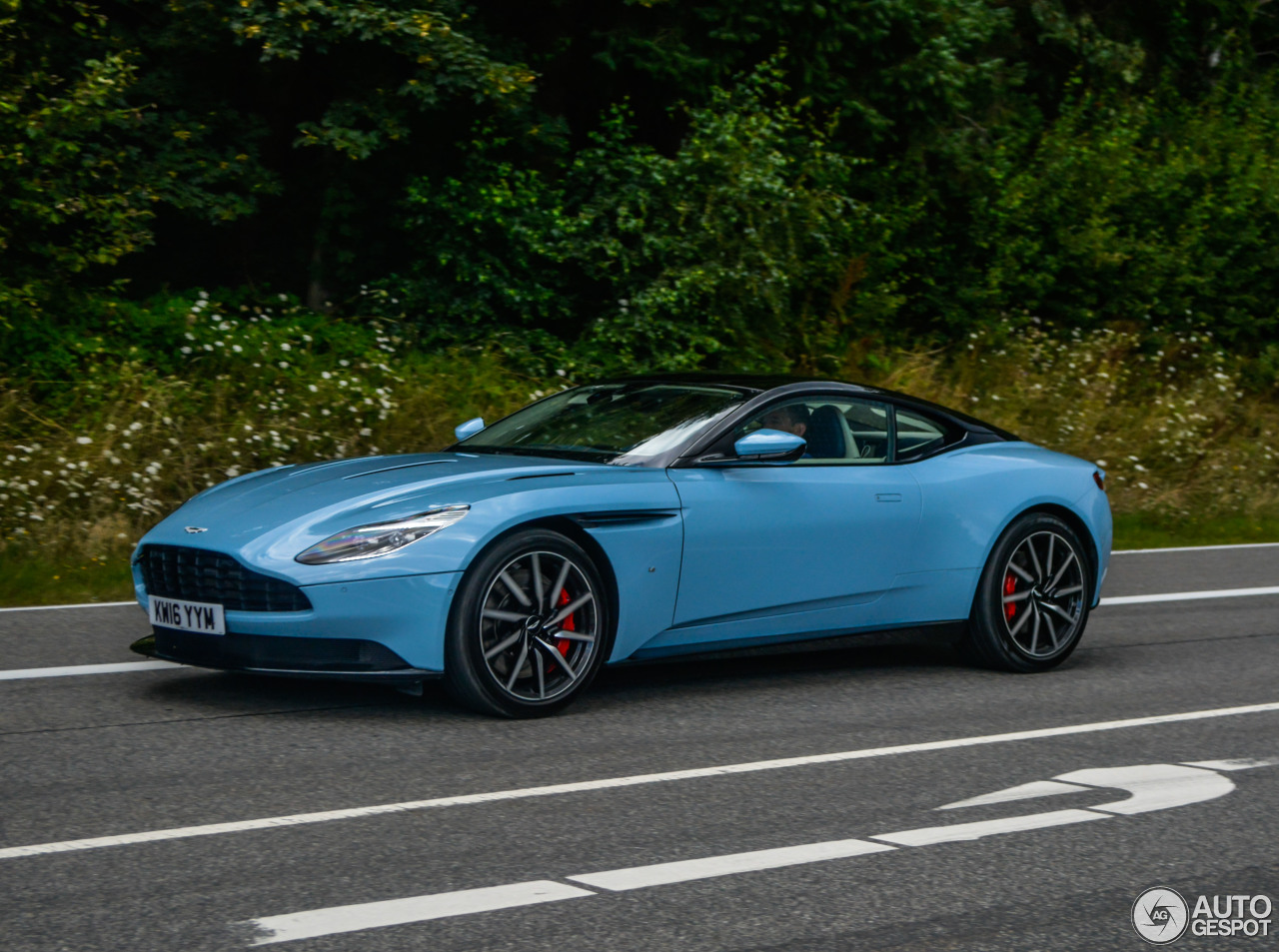 Aston Martin Db11 9 August 2016 Autogespot