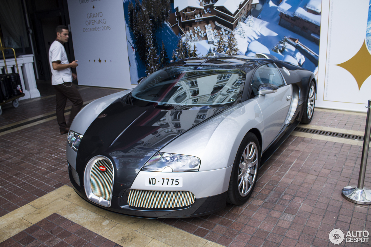 bugatti veyron 16 4 13 august 2016 autogespot. Black Bedroom Furniture Sets. Home Design Ideas