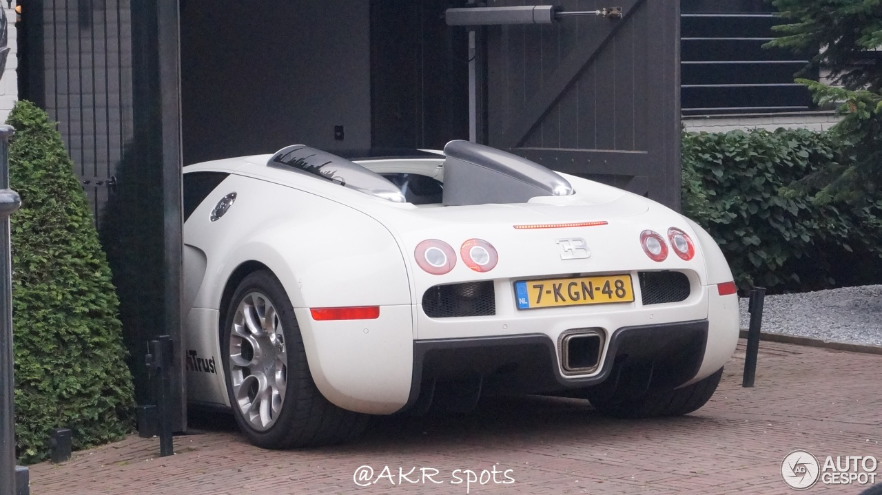 bugatti veyron 16 4 grand sport 16 august 2016 autogespot. Cars Review. Best American Auto & Cars Review