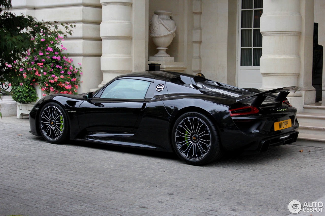 porsche 918 spyder cost uk porsche 918 spyder price specifications and the features car fly. Black Bedroom Furniture Sets. Home Design Ideas