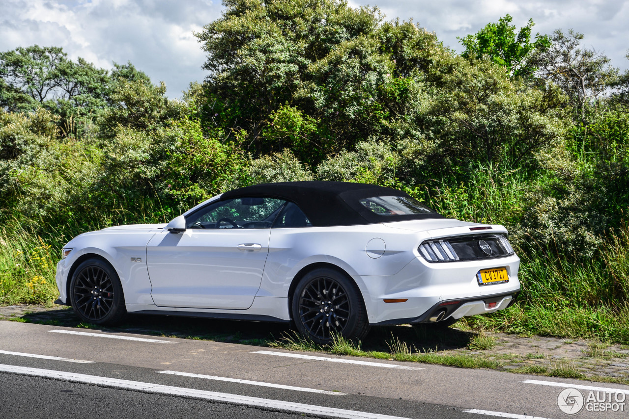 Ford Mustang GT Convertible 2015 - 20 August 2016 - Autogespot  Ford Mustang GT...