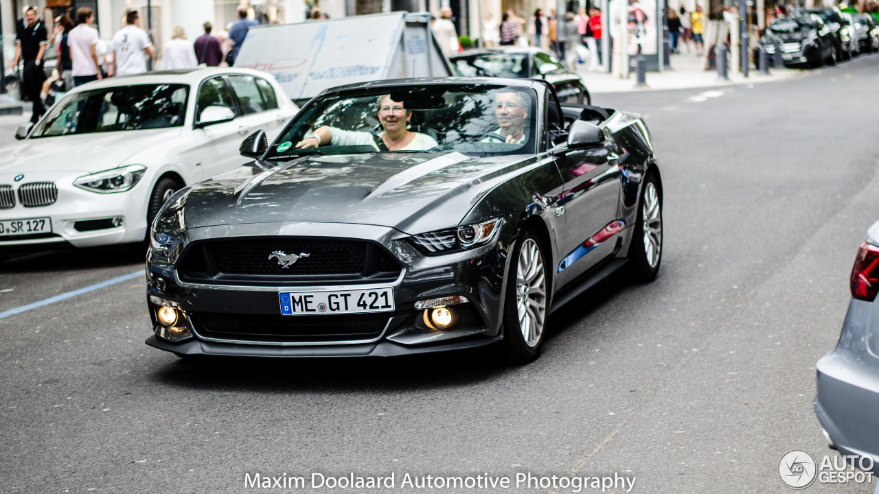 ford mustang gt convertible 2015 21 august 2016 autogespot. Black Bedroom Furniture Sets. Home Design Ideas
