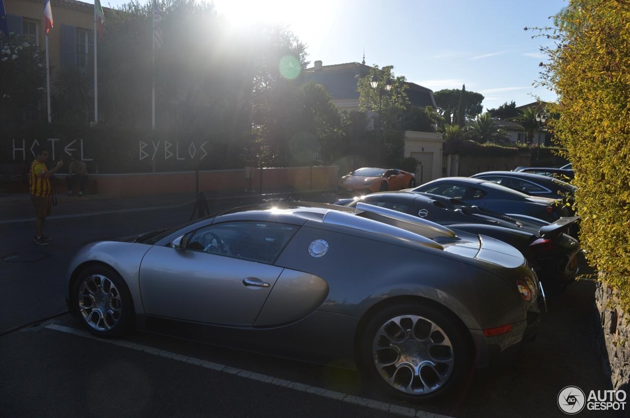 bugatti veyron 16 4 grand sport 22 august 2016 autogespot. Black Bedroom Furniture Sets. Home Design Ideas