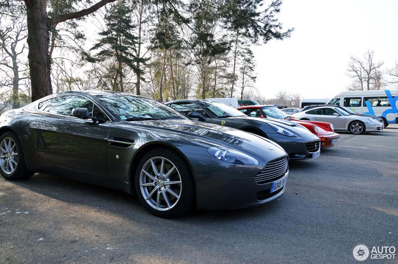2014 Aston Martin V8 Vantage  amazoncom