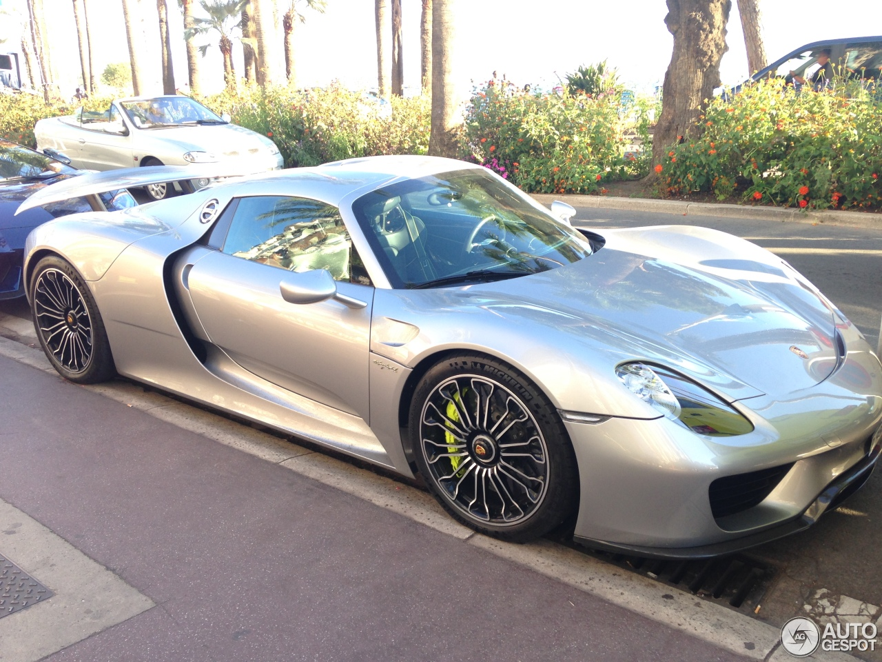porsche 918 spyder 24 august 2016 autogespot. Black Bedroom Furniture Sets. Home Design Ideas