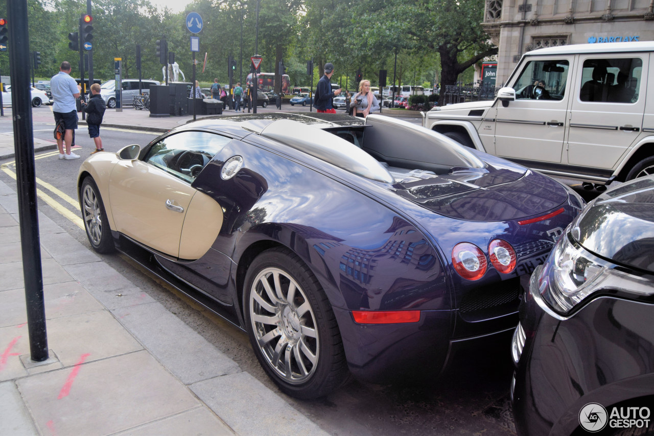 bugatti veyron 16 4 25 august 2016 autogespot. Black Bedroom Furniture Sets. Home Design Ideas
