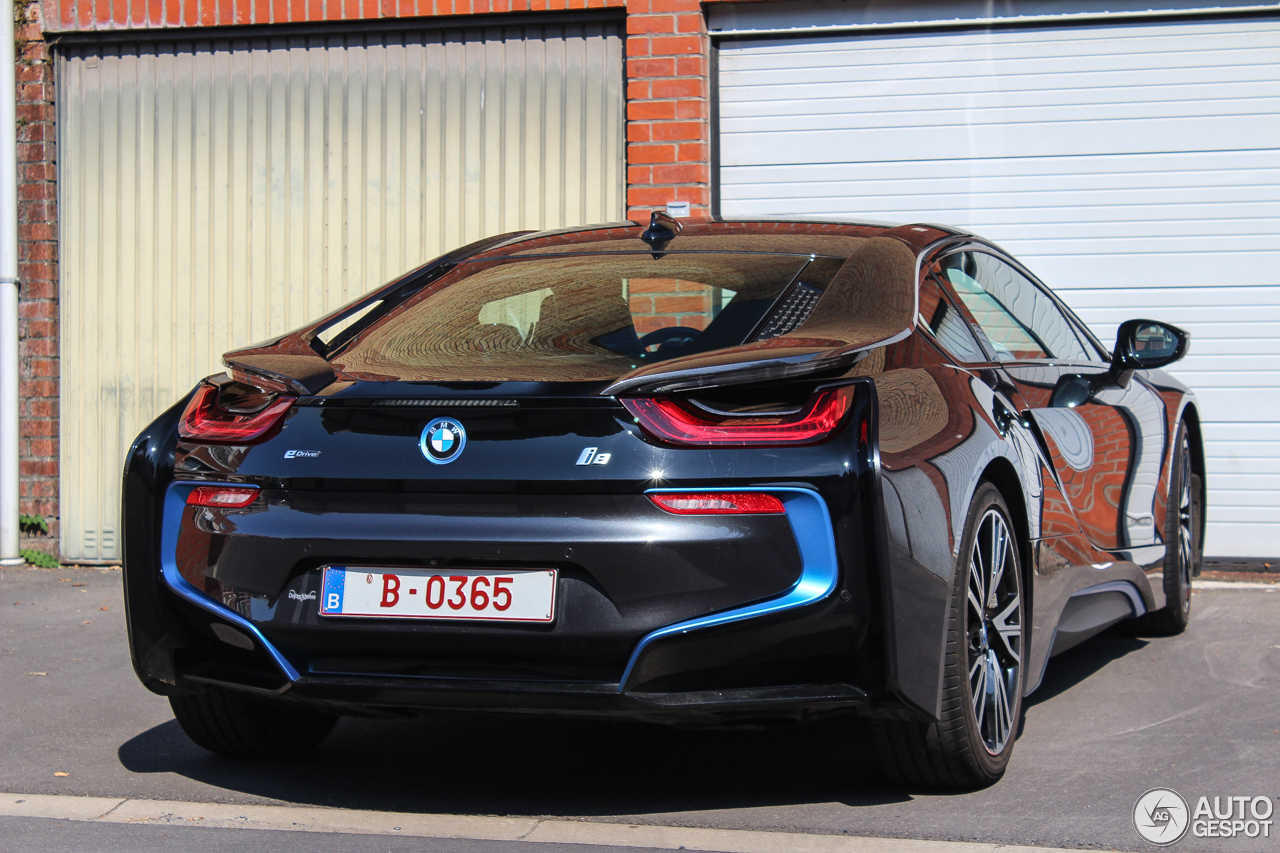 bmw i8 27 ao t 2016 autogespot. Black Bedroom Furniture Sets. Home Design Ideas