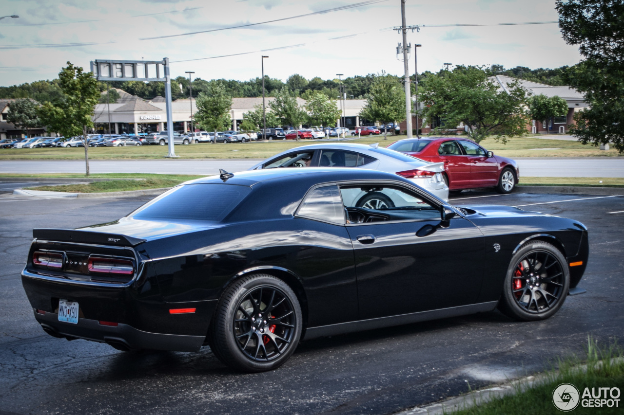dodge challenger srt 8 hellcat 29 august 2016 autogespot. Black Bedroom Furniture Sets. Home Design Ideas