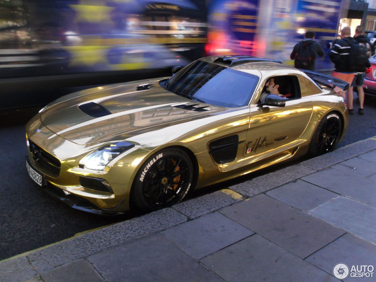 Mercedes sls amg black series price autos post for Mercedes benz sls black series