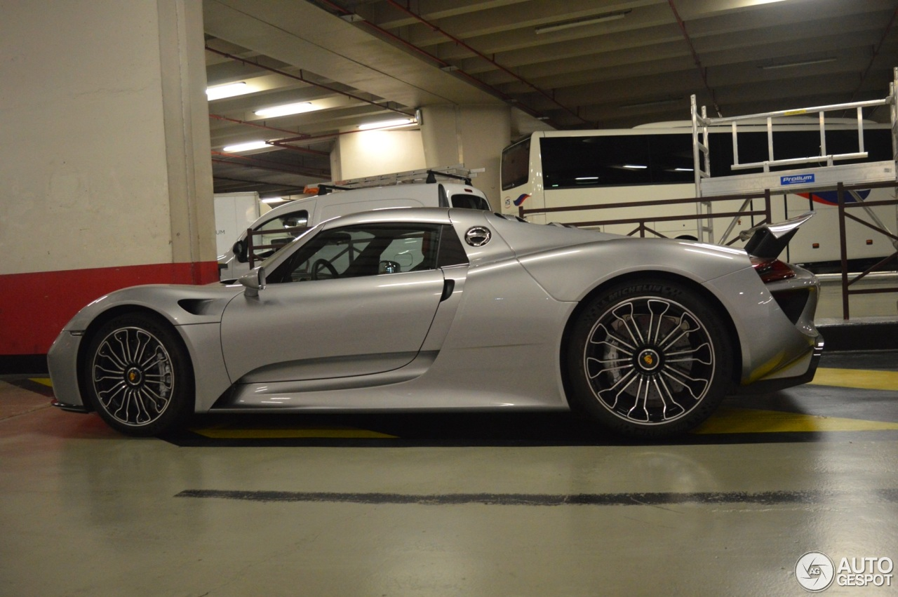 porsche 918 spyder 3 september 2016 autogespot. Black Bedroom Furniture Sets. Home Design Ideas
