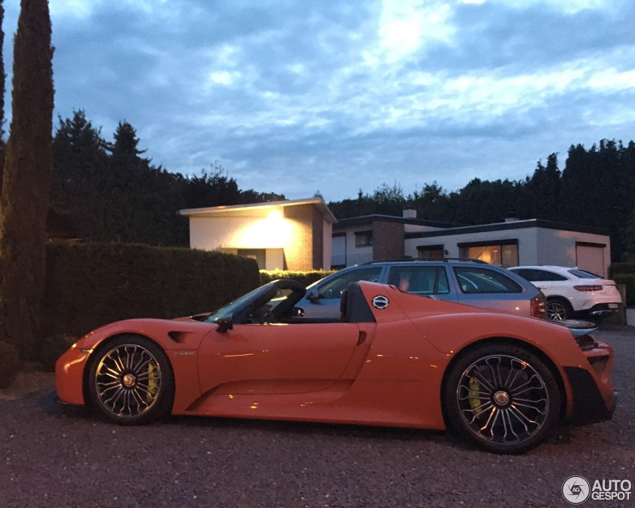 porsche 918 spyder weissach package 3 september 2016 autogespot. Black Bedroom Furniture Sets. Home Design Ideas