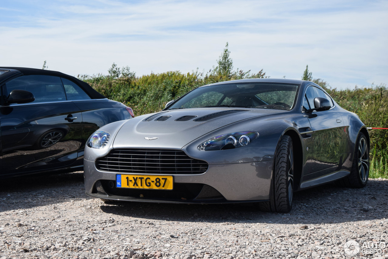 aston martin v12 vantage 10 september 2016 autogespot. Black Bedroom Furniture Sets. Home Design Ideas