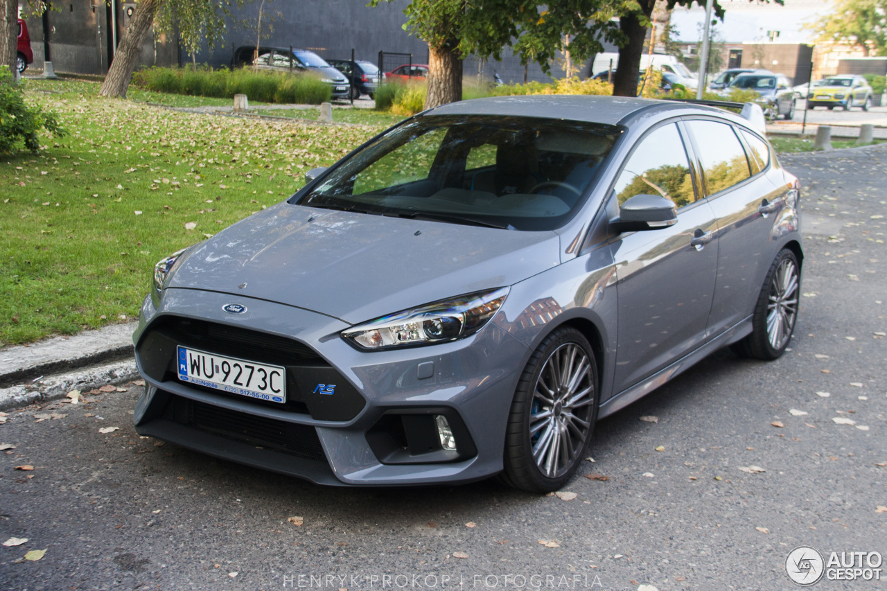 ford focus rs 2015 11 september 2016 autogespot. Black Bedroom Furniture Sets. Home Design Ideas