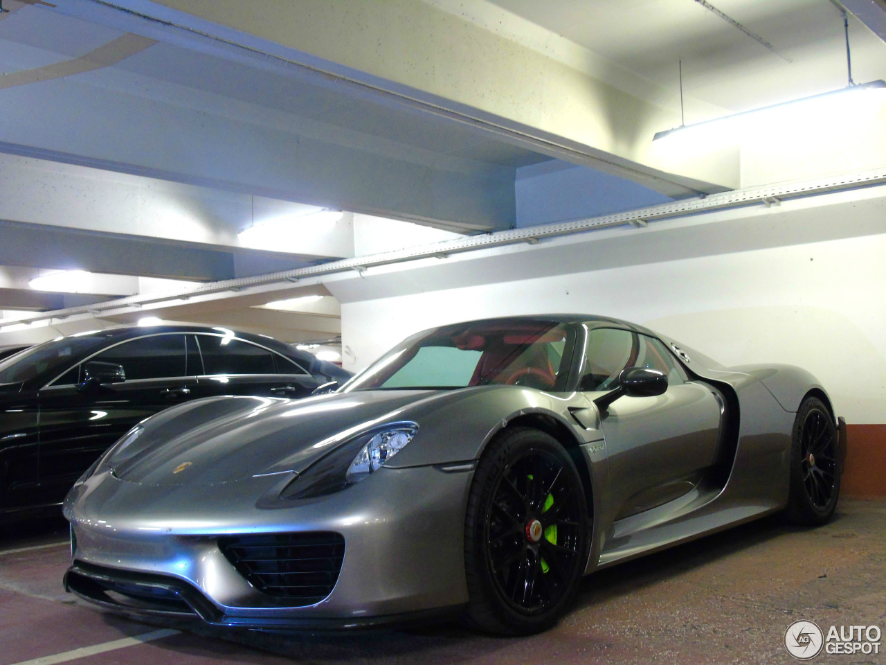 porsche 918 spyder weissach package 17 september 2016 autogespot. Black Bedroom Furniture Sets. Home Design Ideas