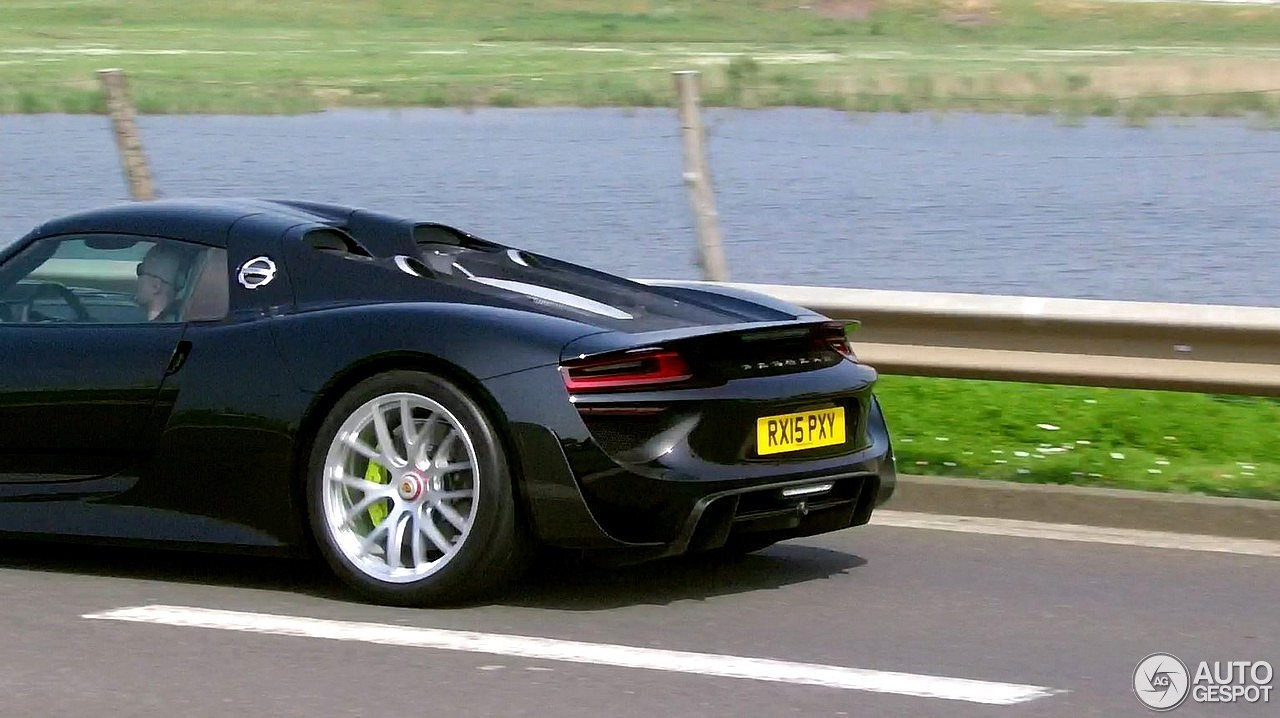 porsche 918 spyder weissach package 19 septembre 2016. Black Bedroom Furniture Sets. Home Design Ideas