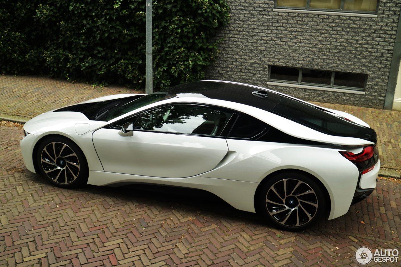 BMW i8 20 September 2016 Autogespot