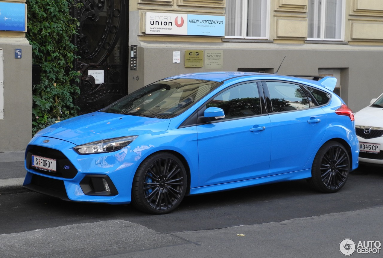 ford focus rs 2015 1 october 2016 autogespot. Black Bedroom Furniture Sets. Home Design Ideas
