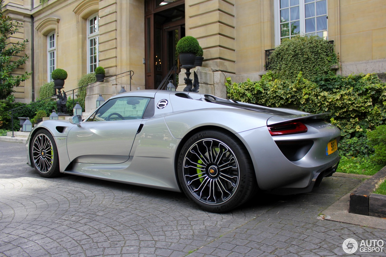 porsche 918 spyder 2 october 2016 autogespot. Black Bedroom Furniture Sets. Home Design Ideas